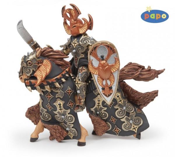 Schwarzer Käferkrieger und Pferd